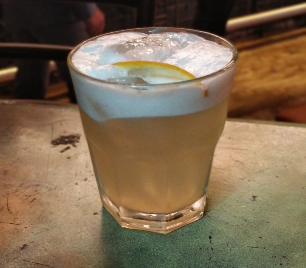 Whisky sour (with egg)