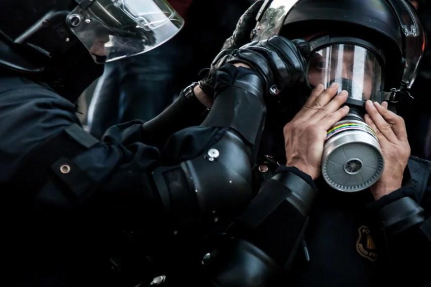 antidisturbios - máscaras antigas - mossos