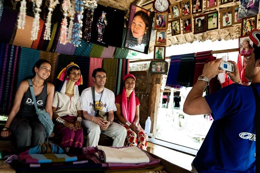 tailandia-tribus-mujeres-karen-jirafa-cuello-largo_6