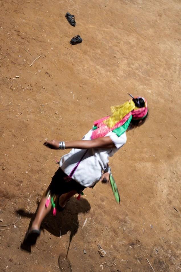 tailandia-tribus-mujeres-karen-jirafa-cuello-largo_7