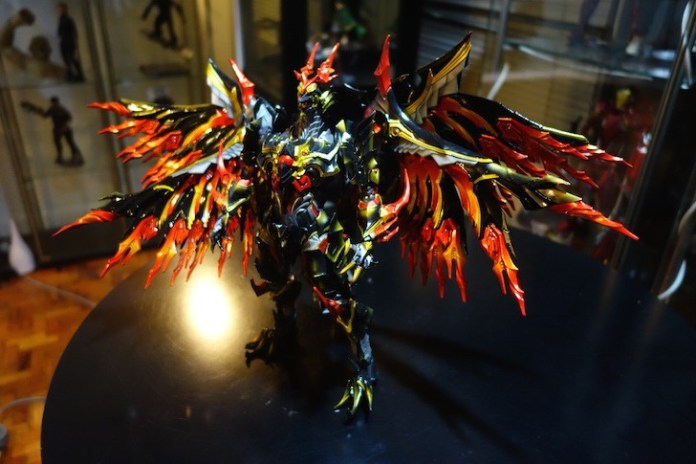 Bahamut without the stand. Tail as the counterbalance.