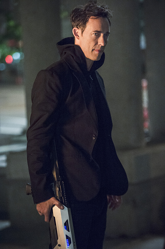"""The Flash -- """"The Fury of Firestorm"""" -- FLA204B_0168b -- Pictured: Tom Cavanagh as Harrison Wells -- Photo: Cate Cameron /The CW -- © 2015 The CW Network, LLC. All rights reserved."""