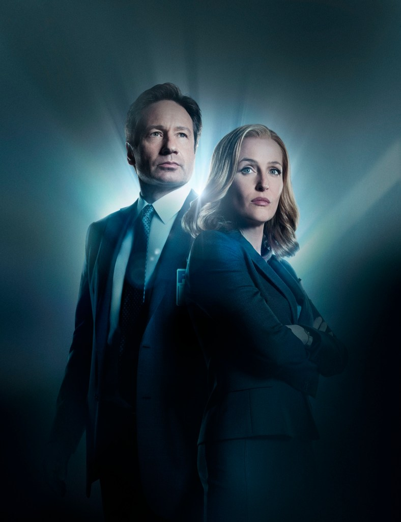 THE X-FILES: L-R: David Duchovny and Gillian Anderson. The next mind-bending chapter of THE X-FILES debuts with a special two-night event beginning Sunday, Jan. 24 (10:00-11:00 PM ET/7:00-8:00 PM PT), following the NFC CHAMPIONSHIP GAME, and continuing with its time period premiere on Monday, Jan. 25 (8:00-9:00 PM ET/PT). width=