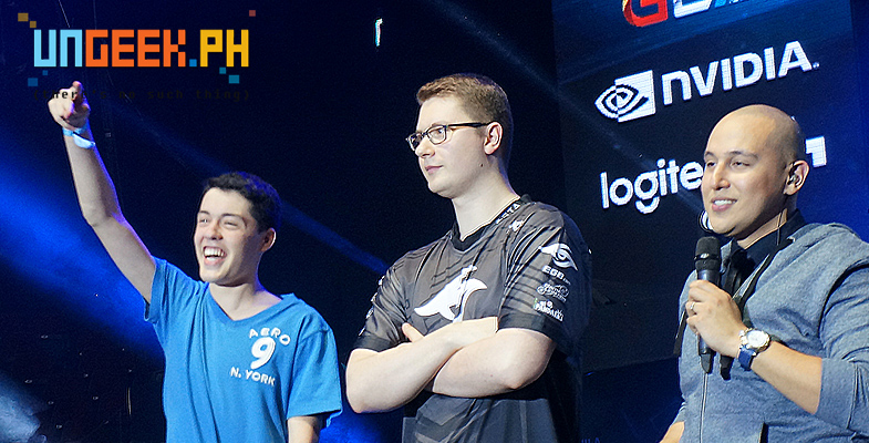 This kid also rushed on stage and hugged Puppey!