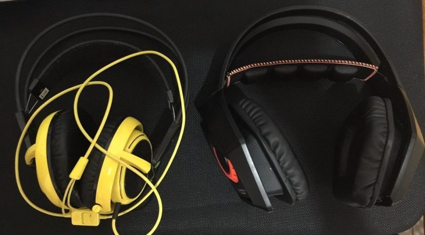 Size comparison with a similar gaming headset.