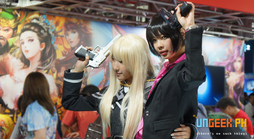 tgs-2016-cosplay-booth-babes2