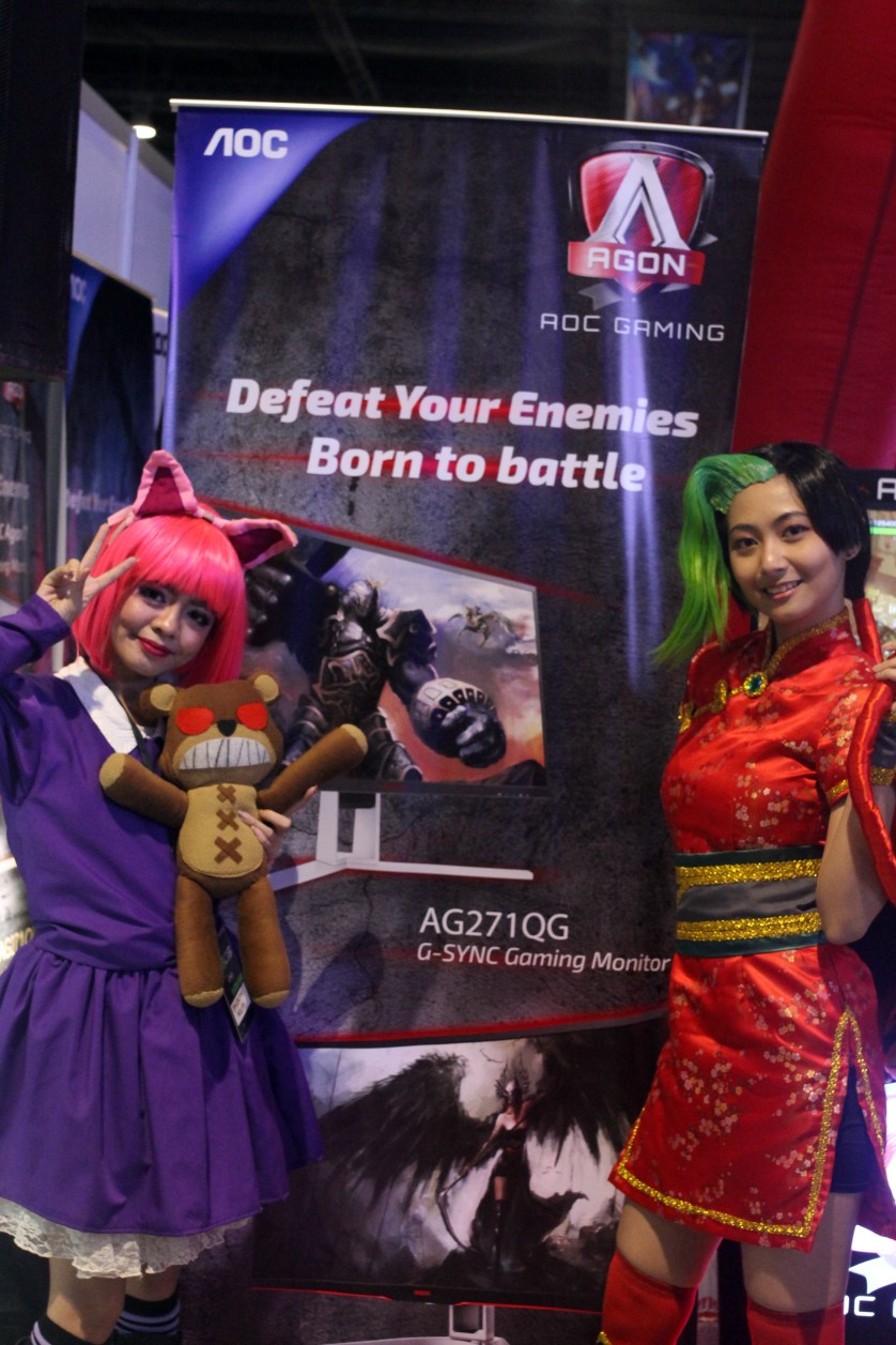 Now what would a rocking booth be without some rocking cosplayers too?