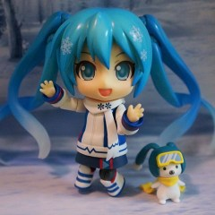 Walking in a Winter Wonderland with the Hatsune Miku Snow Owl Nendoroid