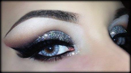 christmas-glitter-makeup-tips-2016-1