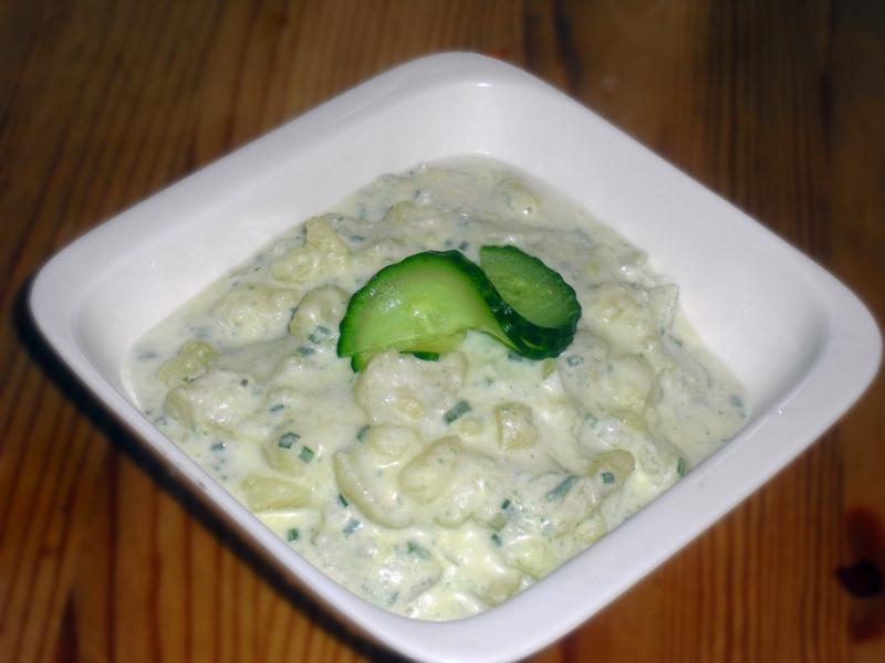 Frisk og spennende potetsalat.