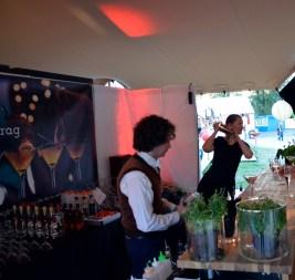 Bartendere som skapte imponerende drinker.
