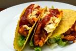 Taco med svinestrimler, mais og ananas