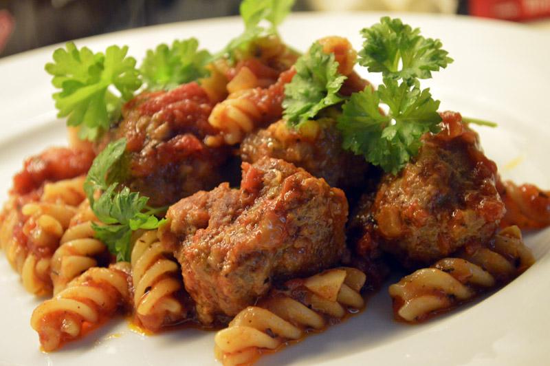 Pasta med italienske kjøttboller