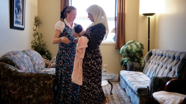 syrian-refugees-canadian-hutterite-hosts