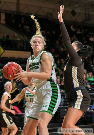 November 17, 2019: a NCAA basketball game between the Valparaiso Crusaders and the University of North Dakota Fighting Hawks at Betty Engelstad Sioux Center in Grand Forks, ND. North Dakota won 65-63. Photo by Russell Hons