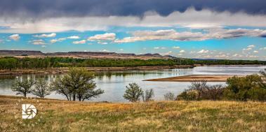 Peaceful scene on the Missouri River in western North Dakota