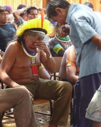 Kayapo indián törzsfőnök.