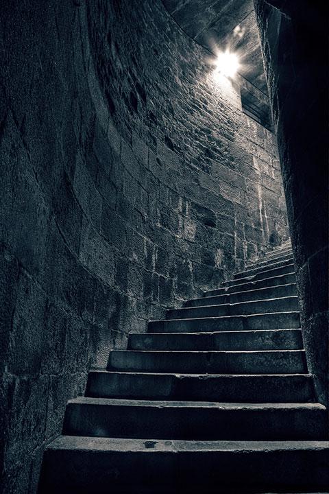 lépcsők a fénybe.