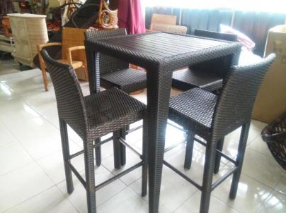 Bar Table #915 Bar Chair #90