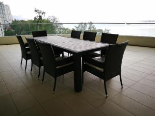 Outdoor dining set @ 8 Gurney