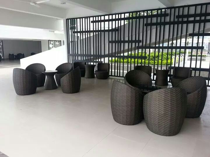 outdoor round chair at elite height 1