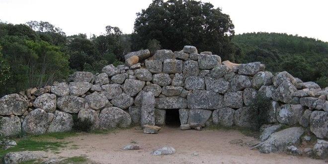 escursione archeologia nuraghi