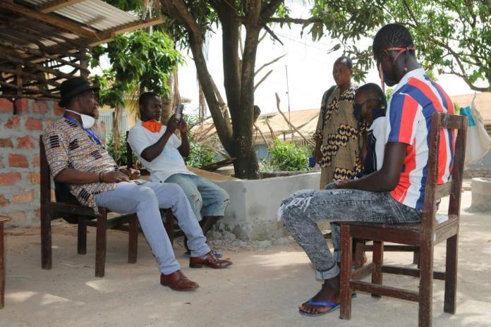 Bakary lors de son entretien avec l'ONG SOS Mineurs en Prison