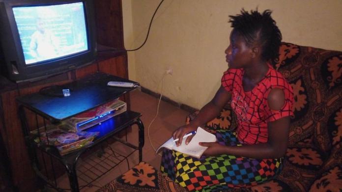 Fatou Cissé, élève en classe de terminale sciences expérimentales.