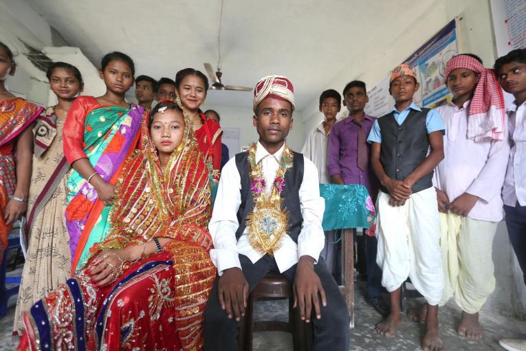 La primera estimación de la historia sobre los adolescentes varones casados eleva a 765 millones el número de matrimonios infantiles