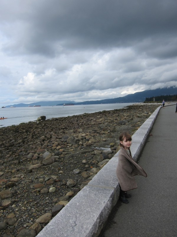 09 gwen on seawall