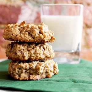 The Best Oatmeal Walnut Cookies