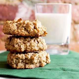 Oatmeal Walnut Cookies