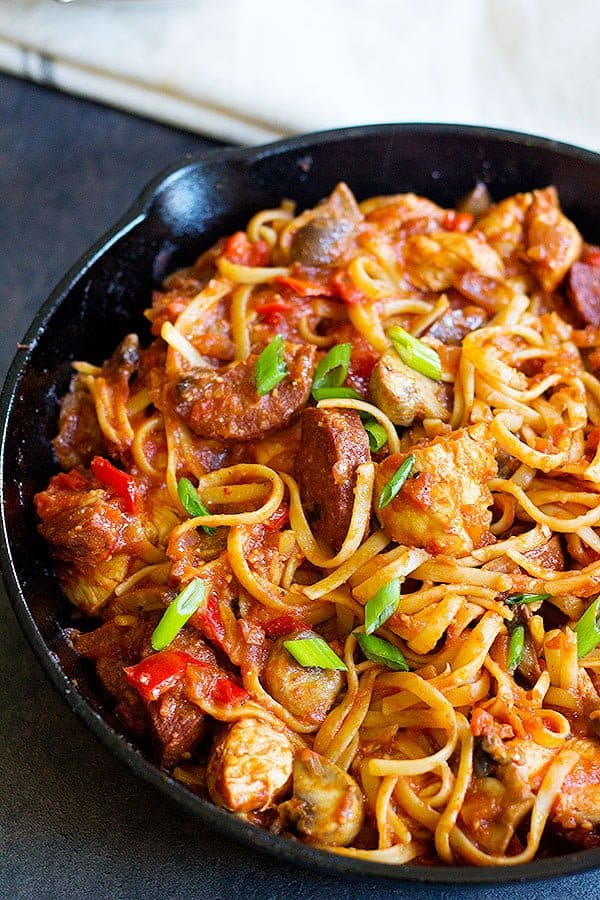 This Jambalaya pasta recipe is made in one pan and is ready is less than one hour.