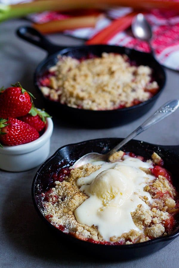 Strawberry rhubarb crumble recipe is easy to follow and requires just a few ingredients.