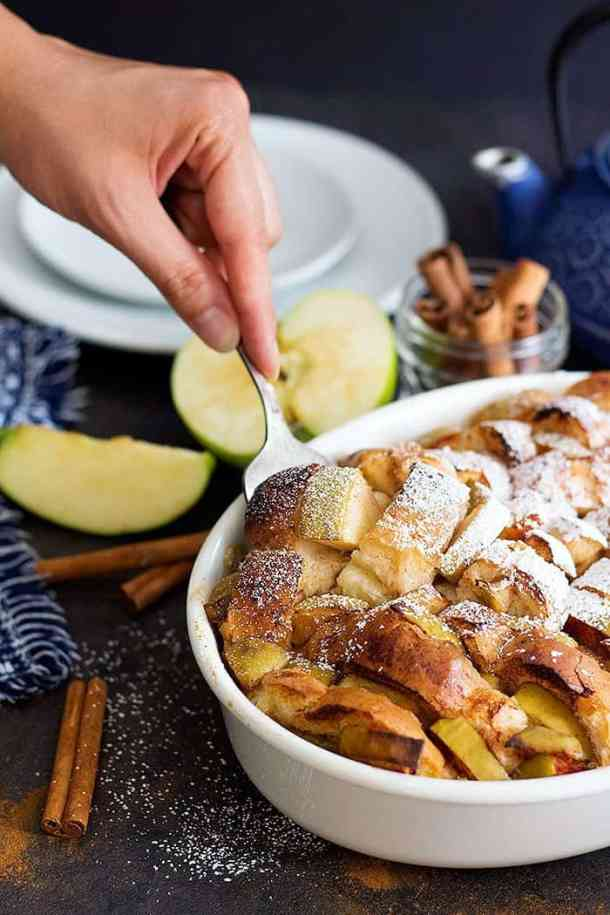 Cinnamon French toast bake is full of flavor. This delicious French toast bake made with Granny Smith apples and French bread and can be made ahead of time.