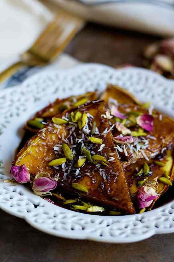 Persian Homemade Crepe Recipe with Molasses - from unicornsinthekitchen.com #Persianfood #Persian