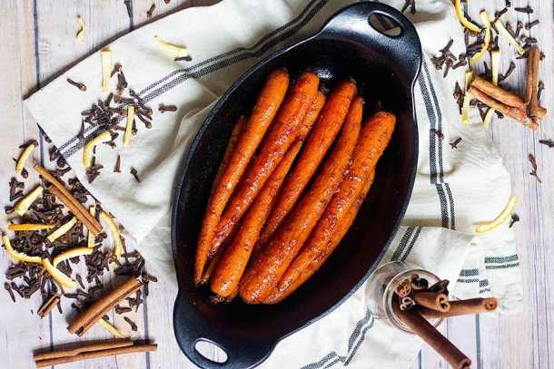 Honey Butter Carrots | Brown Sugar Carrots | From UnicornsintheKitchen.com
