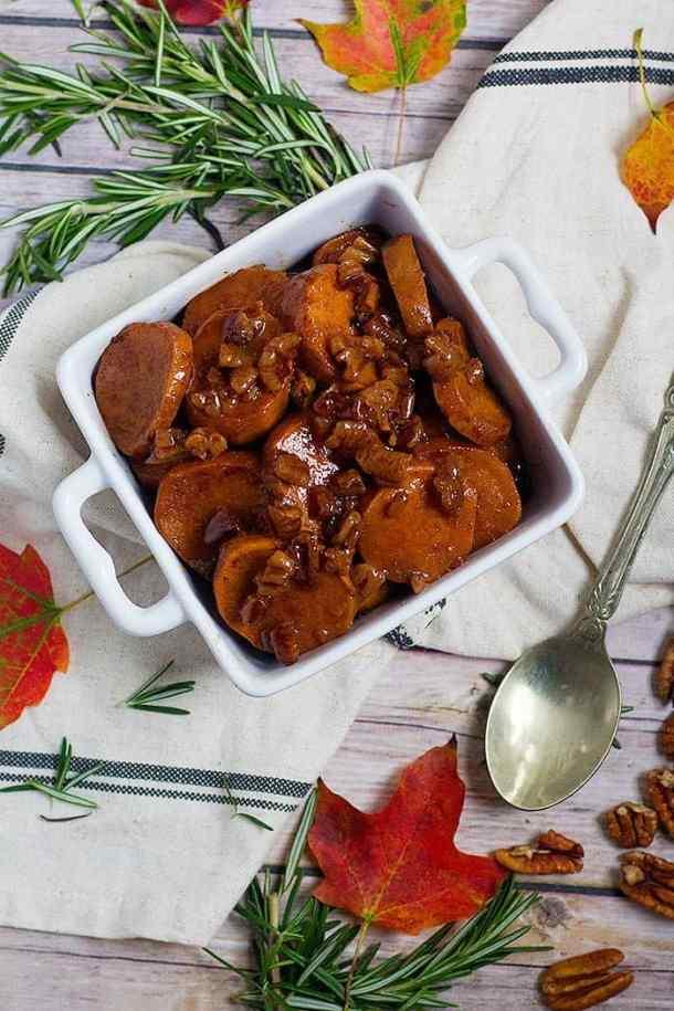 Maple Pecan Sweet Potatoes | maple pecan sweet potatoes mashed | maple pecan sweet potato Casserole | from unicornsinthekitchen.com