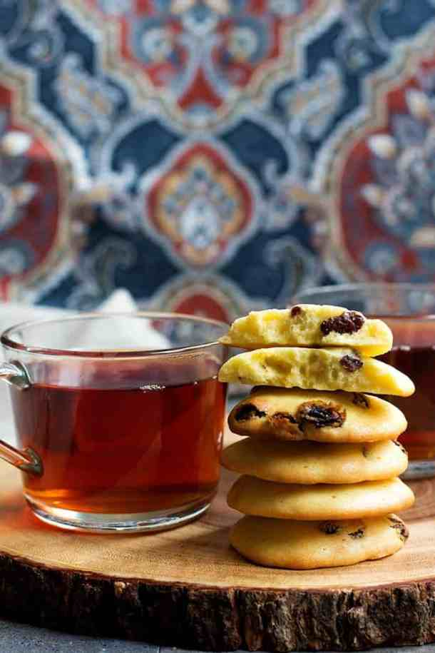 Serve Persian raisin cookies with some freshly brewed tea.