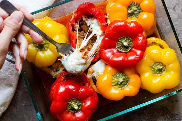 baked stuffed peppers recipe is easy and very delicious. Top stuffed bell peppers with mozzarella cheese.