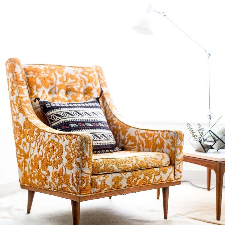 Eempi di tessuti, pelle, ecopelle, stoffe con cui è possibile rivestire le nostre sedie, poltrone, divanetti in stile. Come Scegliere I Tessuti Per L Arredamento