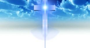 Papel de Parede Cruz Azulada no Céu