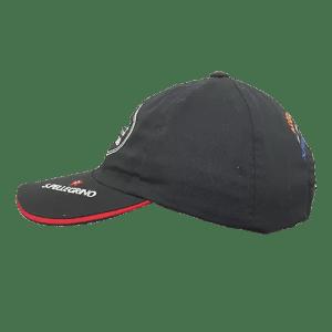 Gorra-negra-plusmarkas-lado