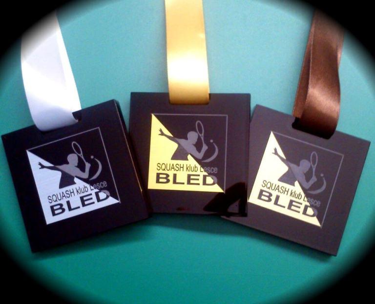 Unikatne medalje za Squash klub Bled