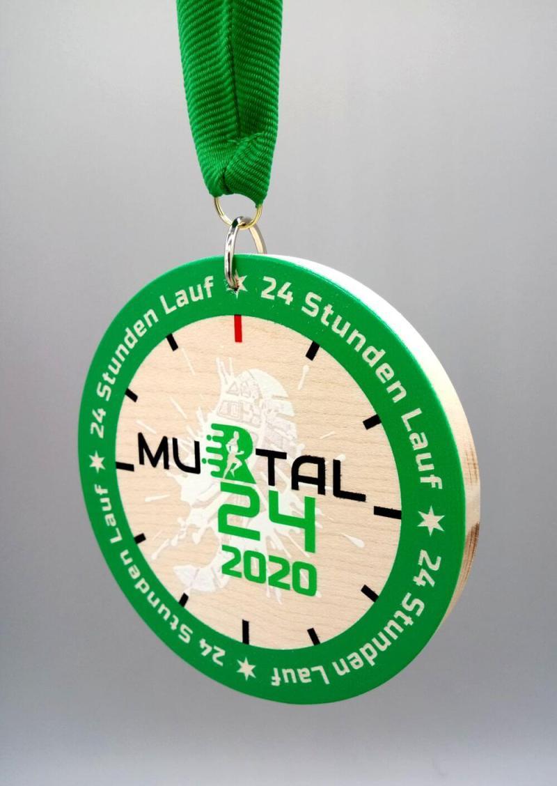 Lesena Medalja s trakom