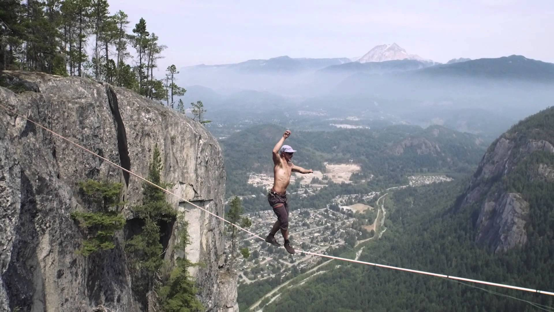 Stunt Wallpaper Hd Terrifying Moment Man Almost Falls 950ft To His Death