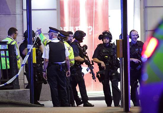 Police Officer Stabbed In Head, Face And Leg As He Responded To London Terror Attack 18928257 10213316079762904 1397065632 n