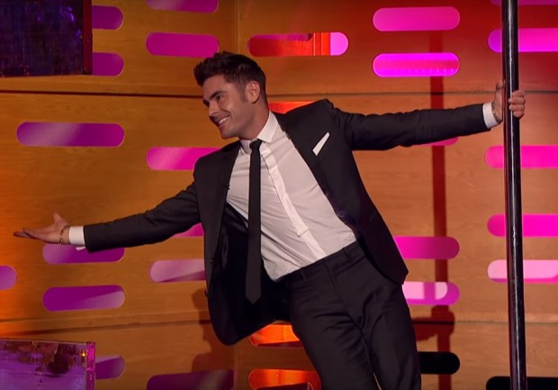 Graham Norton Got Zac Efron To Pole Dance And It Was Incredible zac pole 2 1
