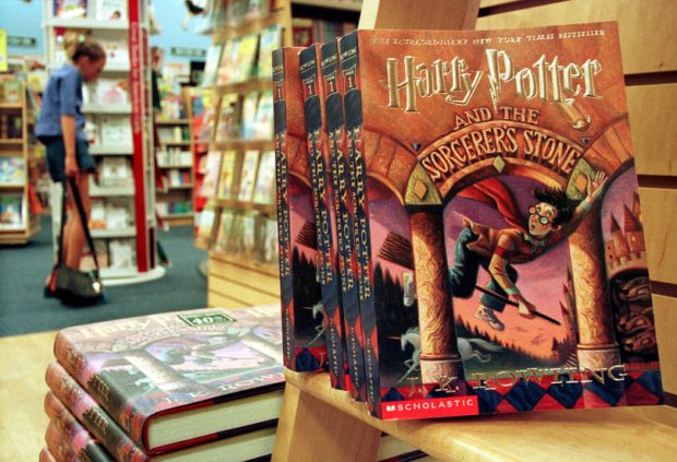 People Who Read Harry Potter Are Better Humans In General, Study Says potter books