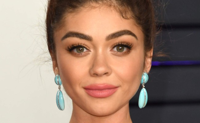 Sarah Hyland Praised For Revealing Her Surgery Scars On
